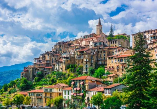 Indagine CNA. Vacanze di Ferragosto: gli italiani puntano sui borghi e sul turismo esperienziale. Lo spontaneismo non basta: serve una strategia