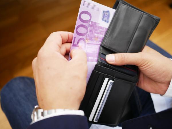 Cassa integrazione in deroga ritardata: decisivo l'aiuto delle banche